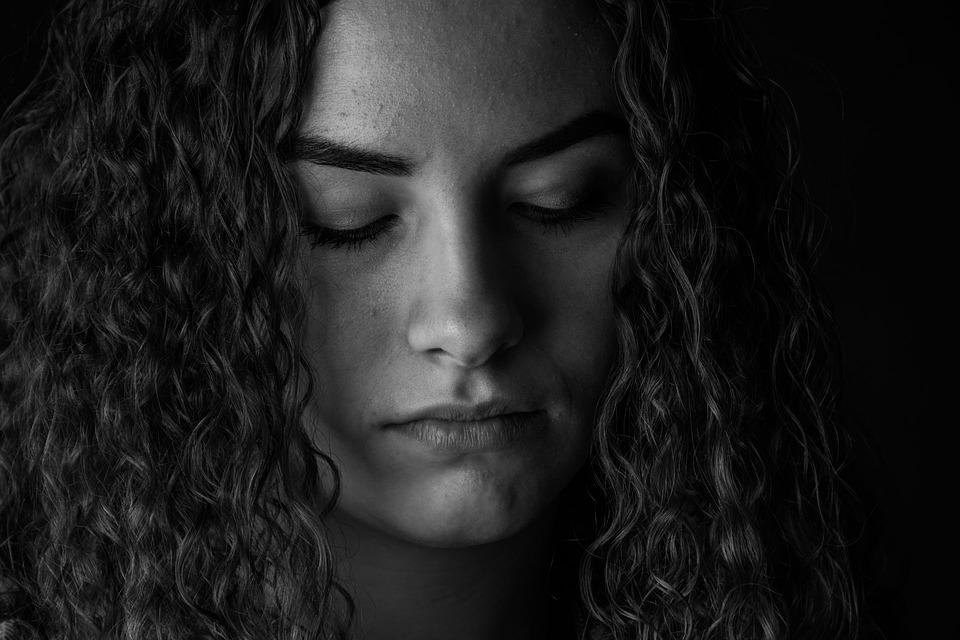 תלות רגשית אישה